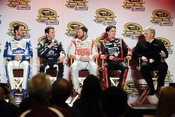 Jimmie Johnson, Kasey Kahne, Dale Earnhardt Jr., Jeff Gordon en Rick Hendrick