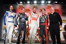 Jimmie Johnson, Kasey Kahne, Dale Earnhardt Jr., Jeff Gordon y Rick Hendrick