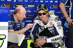 Valentino Rossi, Yamaha Factory Racing, et Silvano Galbusera