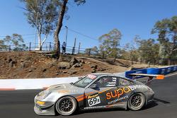 #69 Porsche 911 GT3 Cup S: James Koundouris, Theo Koundouris, Steve Owen, Max Twigg