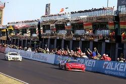 #88 Maranello Motorsport Ferrari F458 Italia GT3: Peter Edwards, John Bowe, Craig Lowndes, Mika Salo