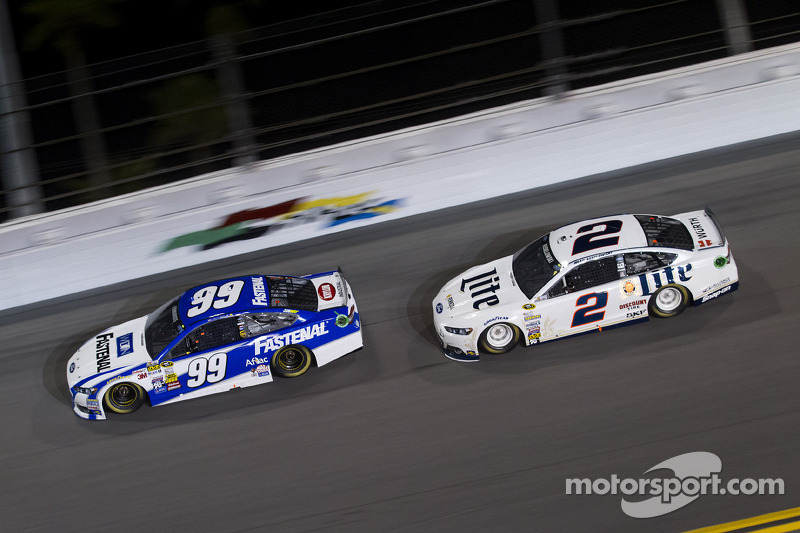 Carl Edwards ve Brad Keselowski
