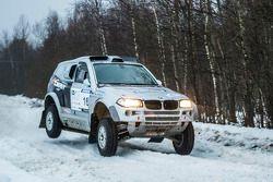 Andrey Dmitriev en Vladimir Demyanenko, BMW X3