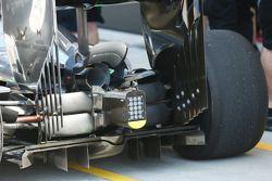 McLaren MP4-29 con la carrocería quemada en la parte trasera del coche