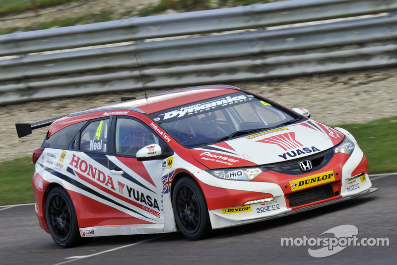 Gordon Shedden Matt Neals Honda Civic Tourer'da