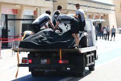 尼克·罗斯伯格的梅赛德斯AMG F1 W05赛车, 梅赛德斯AMG F1车队,被盖好架在卡车上运回维修通道