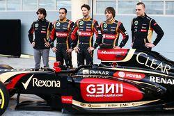 (Da sinistra a destra): Nicolas Prost, Charles Pic, con Romain Grosjean, Lotus F1 Team e il compagno