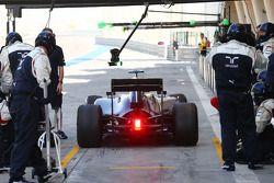 瓦塔里·博塔斯, 威廉姆斯FW36赛车,离开维修区