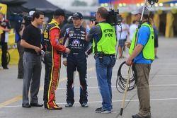 Clint Bowyer, Michael Waltrip Racing Toyota ve Kasey Kahne, Hendrick Motorsports Chevrolet