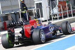 Daniel Ricciardo, Red Bull Racing RB10, mit Flow-Vis-Farbe am Heckflügel