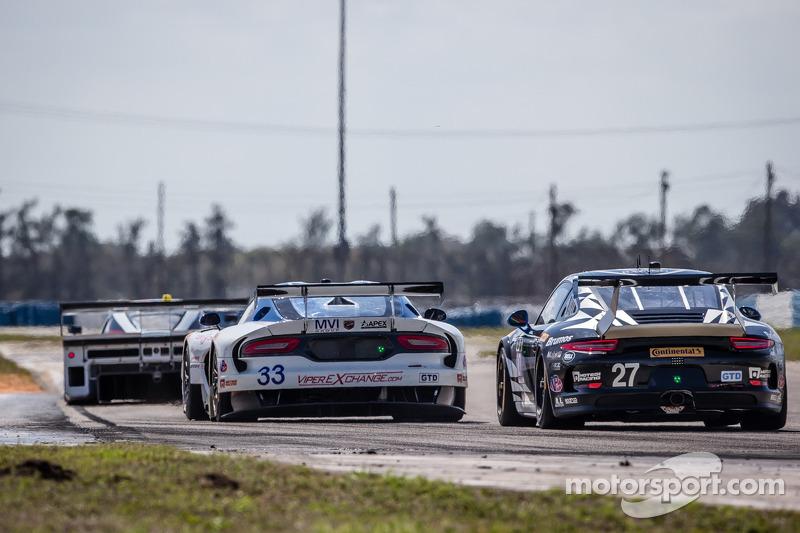 #33 Riley Motorsports SRT 蝰蛇 GT3-R: 本·基廷, 杰伦·布勒克莫伦, 塞巴斯蒂安·布勒克莫伦, 马克·古森斯, #27 邓普希 Racing 保时捷 911 GT A