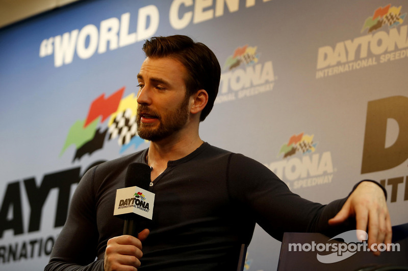 L'attore Chris Evans, Grand Marshal