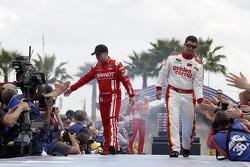 Justin Allgaier, HScott Motorsports Chevrolet et Reed Sorenson, Tommy Baldwin Racing Chevrolet