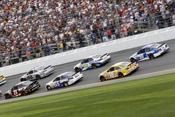 Alex Bowman, BK Racing Toyota, Brian Vickers, Michael Waltrip Racing Toyota, Kyle Busch, Joe Gibbs R