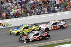 比赛中:Austin Dillon, Richard Childress雪佛兰车队, Paul Menard, Richard Childress雪佛兰车队, Dale Earnhardt Jr.,
