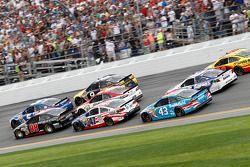 比赛中:Josh Wise, Phil Parsons 福特车队, Dale Earnhardt Jr., Hendrick 雪佛兰车队, Aric Almirola, Richard Petty福特