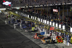 Bobby Labonte, HScott Motorsports Chevrolet, Tony Stewart, Stewart-Haas Racing Chevrolet