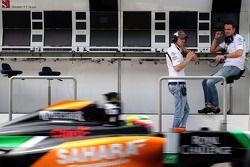 Adrian Sutil, Sauber; Giedo van der Garde, Sauber, Testfahrer