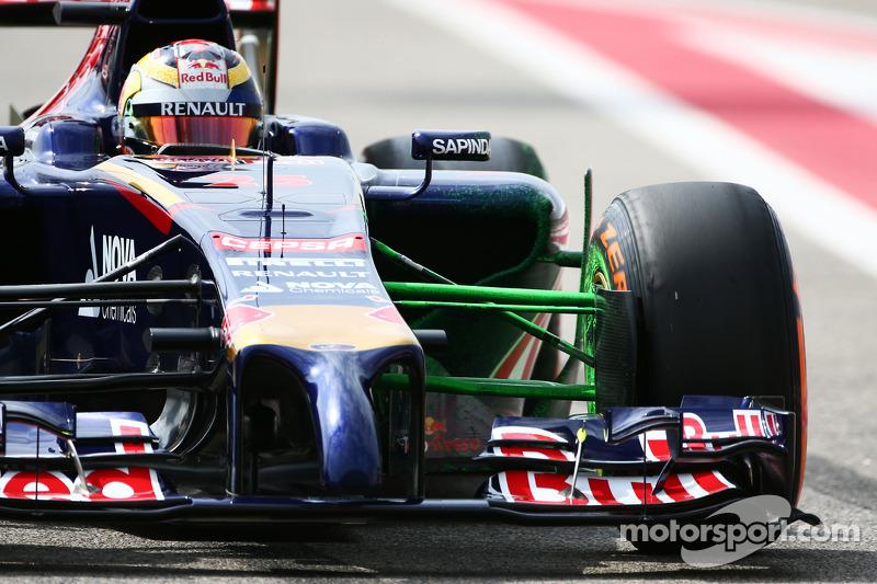 Em 2015, Vettel foi para a Ferrari e foi substituído por Kvyat. Já Vergne foi dispensado e também foi para a F-E, na qual é o atual bicampeão.