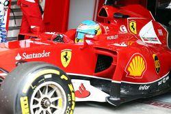 Fernando Alonso, Ferrari F14-T deja los pits