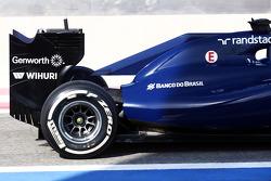 Williams FW36 motore e alettone posteriore