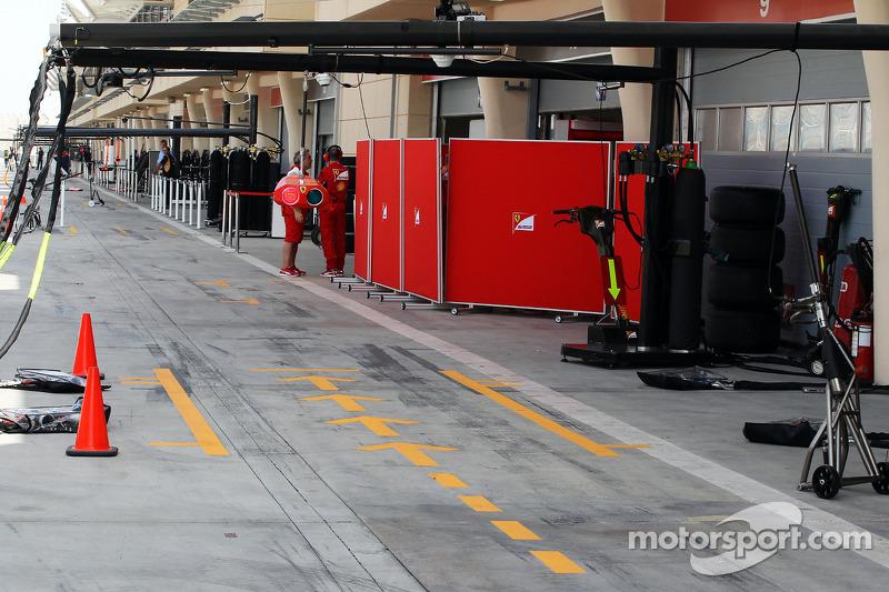 Ferrari pit alanı ve garajı