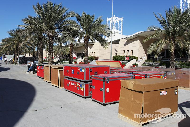 Il carico viene imballato nel paddock