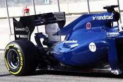 Valtteri Bottas, Williams FW36 ve arka kanatta akışı gösteren boya