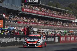 James Courtney, Holden Racing Team, vainqueur
