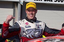 Yarış galibi James Courtney, Holden Racing Takımı