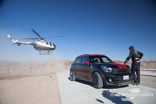 Jay Leno Dakar Mini'de kazanıyor