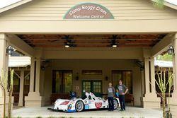 Frankie Montecalvo e Gunnar Jeannette visitano Camp Boggy Creek