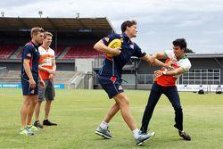 (L to R): Shaun Higgins, Western Bulldogs Australian Rules Footballer and Nico Hulkenberg, Sahara Fo