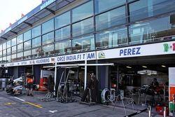 Sahara Force India F1 Takımı garajları