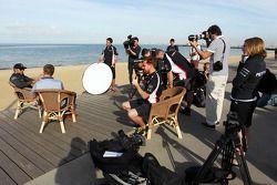 Lewis Hamilton, Mercedes AMG F1 ve medya sahilde