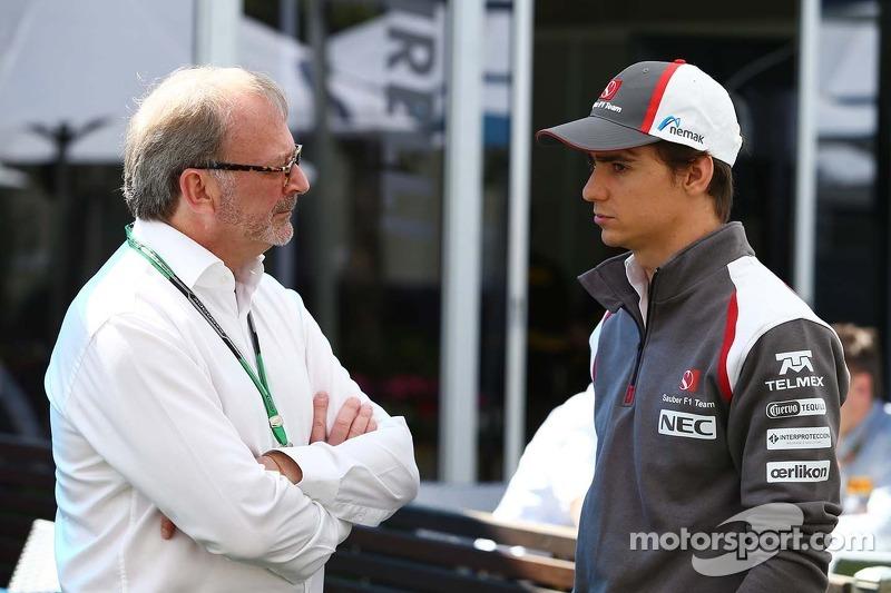 Esteban Gutierrez, Sauber, with Didier Coton, Driver Manager