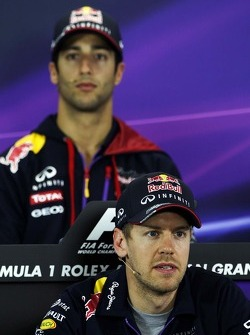 Sebastian Vettel et Daniel Ricciardo lors de la conférence de presse FIA