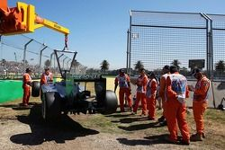 Lewis Hamilton'ın Mercedes AMG F1 W05'i ilk antrenmanlarda pistte kaldıktan sonra