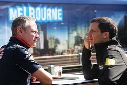 Jonathan Wheatley avec Remi Taffin, Renault Sport F1