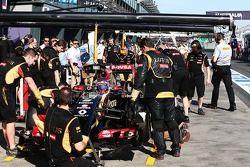Romain Grosjean, Lotus F1 E22.