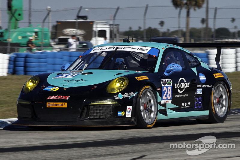 #28 邓普希 Racing 保时捷 911 GT America: 克里斯蒂安·恩格尔哈特, 罗尔夫·伊奈兴, 克劳斯·巴赫勒, 弗朗兹·康拉德
