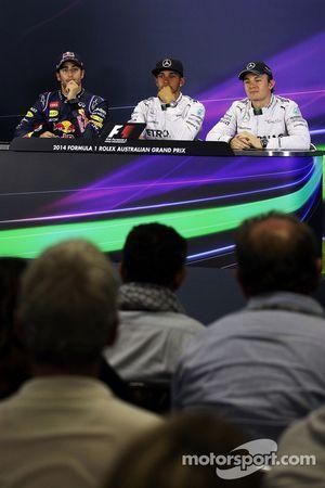 De FIA-persconferentie, Daniel Ricciardo, Red Bull Racing; Lewis Hamilton, Mercedes AMG F1; Nico Ros