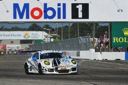 起步: #22 Alex Job Racing,保时捷 911 GT America: Cooper MacNeil, Leh Keen, Philipp Frommenwiler