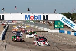 Start: #5 Action Express Racing Corvette DP Chevrolet: Joao Barbosa, Christian Fittipaldi, Sébastien Bourdais leads