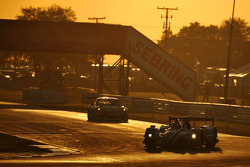 #6 Pickett Racing ORECA 日产: 克劳斯·格拉芙, 卢卡斯·鲁尔, 詹恩·马登堡