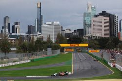 Nico Hulkenberg, Sahara Force India F1 VJM07, leidt teamgenoot Sergio Perez, Sahara Force India F1 V