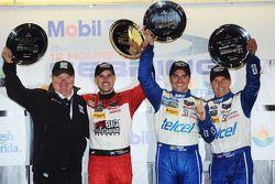 Podio finale: vincitori Marino Franchitti, Memo Rojas, Scott Pruett con Chip Ganassi