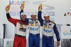 Podio finale: vincitori Marino Franchitti, Memo Rojas, Scott Pruett