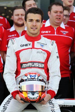 Jules Bianchi, Marussia F1 Takımı takım fotoğrafında