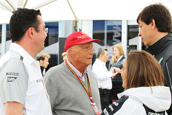 Eric Boullier avec Niki Lauda, Claire Williams et Toto Wolff